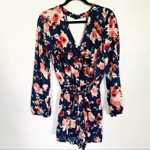 Gypsies & moondust floral long sleeve romper Sz XL